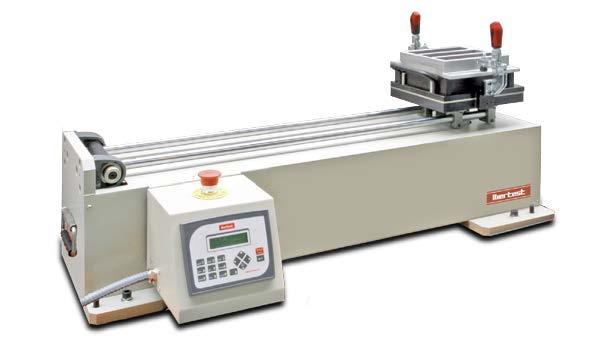 Compactadora horizontal IBERTEST para la preparación de probetas de ensayos de resistencia de cementos y morteros