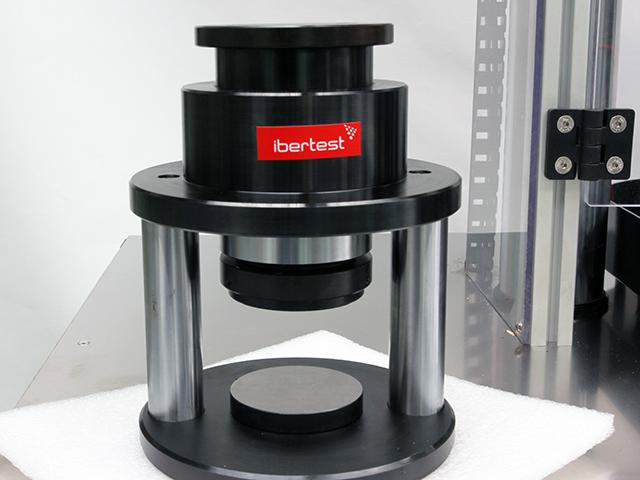 Dispositivo de compresion de cementos conforme a norma ASTM_C109