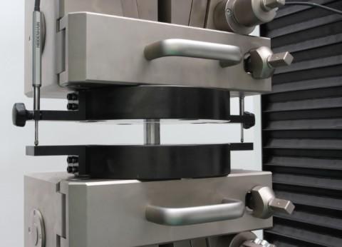 Ensayo compresión sobre aluminio conforme a DIN 50106, ASTM E9